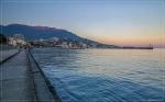 отдых в Крыму: Вечерняя набережная Ялты