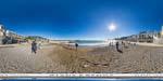 отдых в Крыму: пляж на набережной Ялты